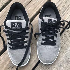 Men's/Boy's DC Super Suede Skateboard Shoes, Sz 5